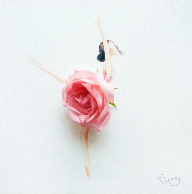 Toda a delicadeza das flores é transferida para o papel e facilmente se torna obra de arte através das mãos da artista malásiaLim Zhi Wei, que atualmente vive em Singapura. Munida de ramos e aquarela, ela forma composições incrivelmente belas com técnicas simples.Conhecida comolovelimzy, a artista dá graça às formas femininas com as m...