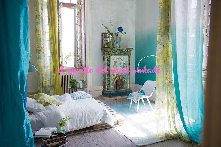 CONTARINI - SARAILLE Desde diseños discretos encajes, resúmenes metálicos y frustrado sutiles, y una bandada silenciado divina, a las pantallas de los románticos estampados florales opalescente.
