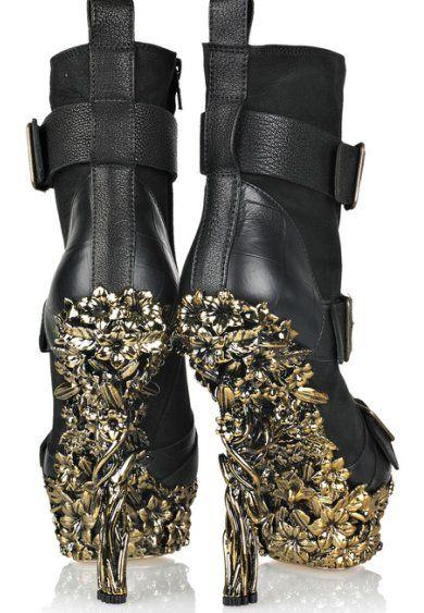 Flowers: Alexander Mcqueen Sho, Wedding Shoes, Leather Boots, Alexandermcqueen, Black Leather, Woman Shoes, Stunning Women, Floral Boots, Flower
