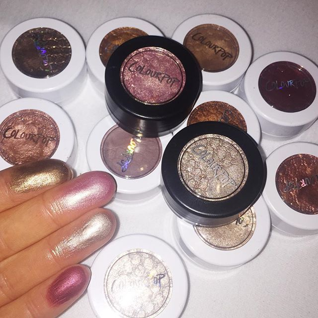 I will never get bored of swatching Colourpop eyeshadows! So insanely pigmented and creamy, nothing can possibly compare! Welcome to the gang limited edition pretties! .. You're cute but your packaging annoys me because it's not matching my other shadows ✋ ❤️ SWATCHES L-R: Nillionaire, Just Fur Fun (LE), Koosh (LE), and Drift! ❤️Super shock shadows