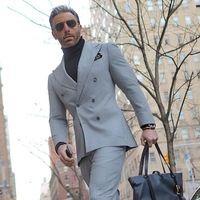 2017 Últimos Diseños Bragas de la Capa Gris Claro Traje de Los Hombres de Doble Botonadura chaqueta Slim Fit 2 Unidades Tuxedo Custom Novio de Baile Trajes Ternos
