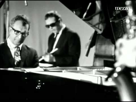 Dave Brubeck::Take Five - Original Video. Dave Brubeck/keyboards • Paul Desmond/sax • Gene Wright/ bass • Joe Morello/drums. Commodore665 - Only thing cooler than a jazz saxophonist is a jazz drummer.. . Time • 5:14
