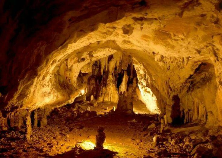 Reserva Natural Caverna de las Brujas. Mendoza.