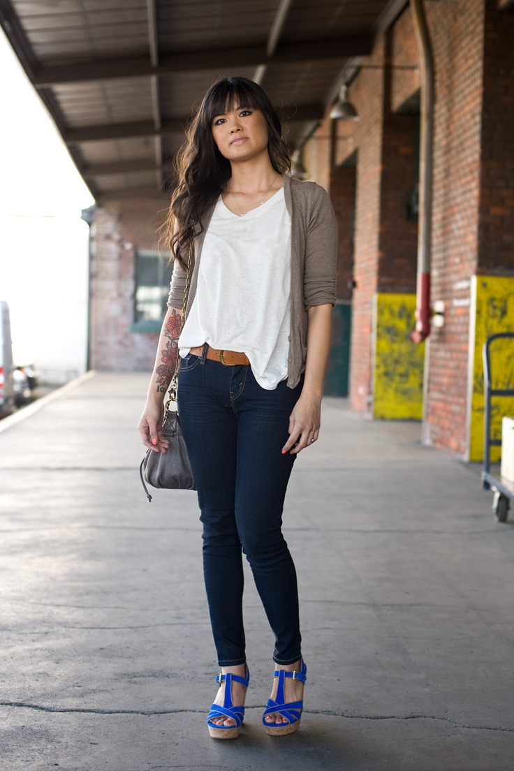Love this simple outfit.  via Urban Weeds