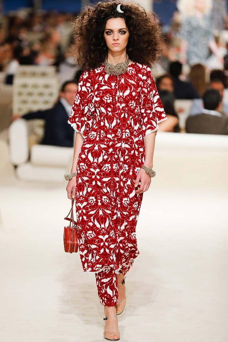 Chanel Resort 2015 Fashion Show - Magda Laguinge