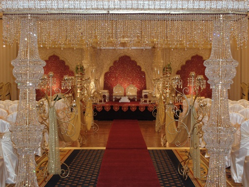 What!!!!!! http://indianweddingsite.com/photogallerydetail/165/indian-wedding-venues/850/la-torretta-lake-resort-wedding/