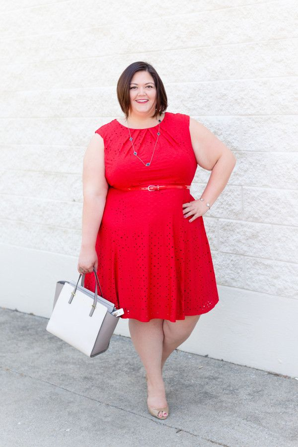 Plus size fashion blogger Authentically Emmie in a London Times dress from Gwynnie Bee