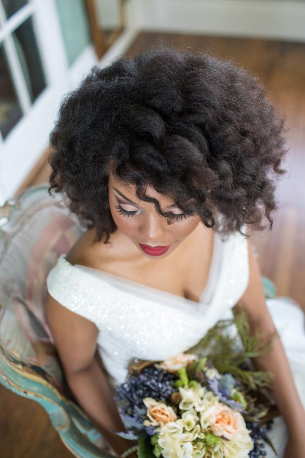 A vintage-infused bridal portrait session at Tulsa's Dresser Mansion   Photo by Andi Bravo