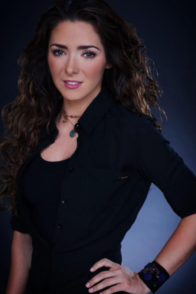 """La espectacular Ariadne Díaz, protagonista de la telenovela """"La Mujer Del Vendaval"""" luciendo fabulosos accesorios Jenny Rabell. Compra accesorios Jenny Rabell en: http://jennyrabelltienda.com"""