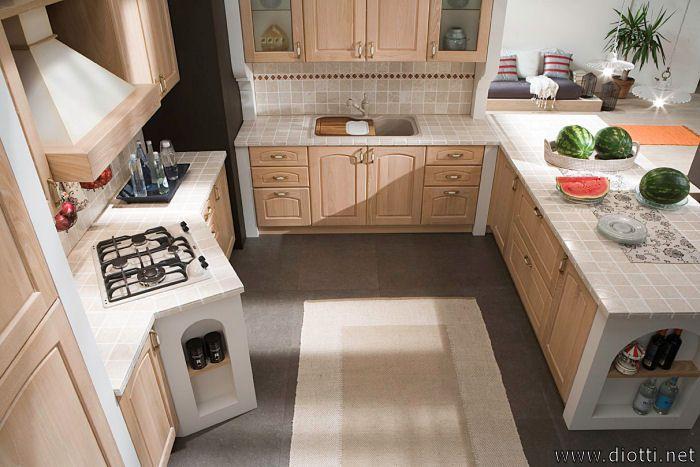 Un'altra vista dall'alto con lo sviluppo dei piani di lavoro della cucina.