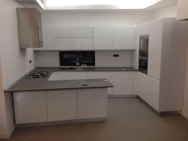 Kerlite su cucina cerca con google cucina kitchen - Top cucina kerlite ...