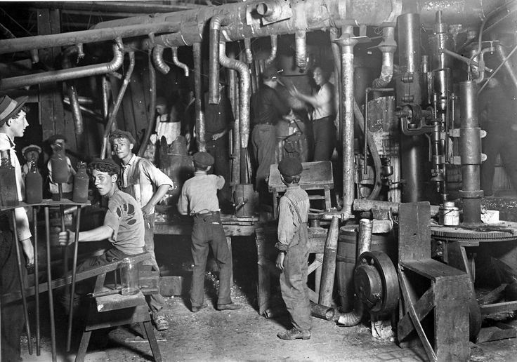 Night shift in an Indiana glass factory, August 1908 [[MORE]] https://www.cmog.org/sites/default/files/images/bib_92651.jpg https://www.cmog.org/article/jobs-19th-century-glass-factory