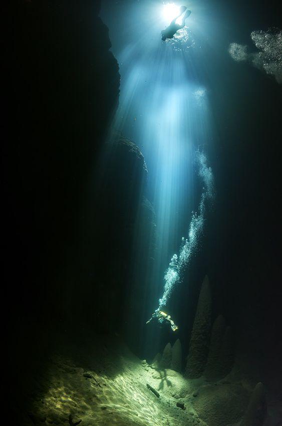 Anhumas Abyss, scatti dal meraviglioso mondo subacqueo [Gallery]
