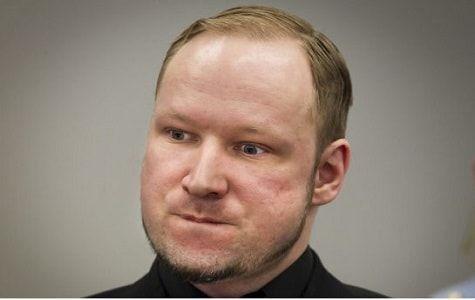 """Breivik, de 37 años, argumentará que su aislamiento en la prisión de Skien viola la prohibición de recibir un """"trato inhumano y degradante"""" bajo la Convención Europea de Derechos Humanos"""