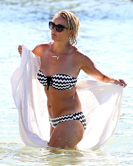 Miranda Lambert looks incredible soaking up the sun in Miami