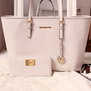 Large-scale Clearance Sale Of #Michael #Kors #Purses, Always Makes You More…