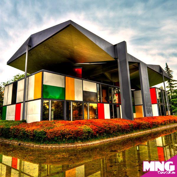Zürih Le Corbusier Evi  bit.ly/mngturizm-yurtdisi-turlari-isvicre-turlari  #mngturizm #tatiliste #isviçre