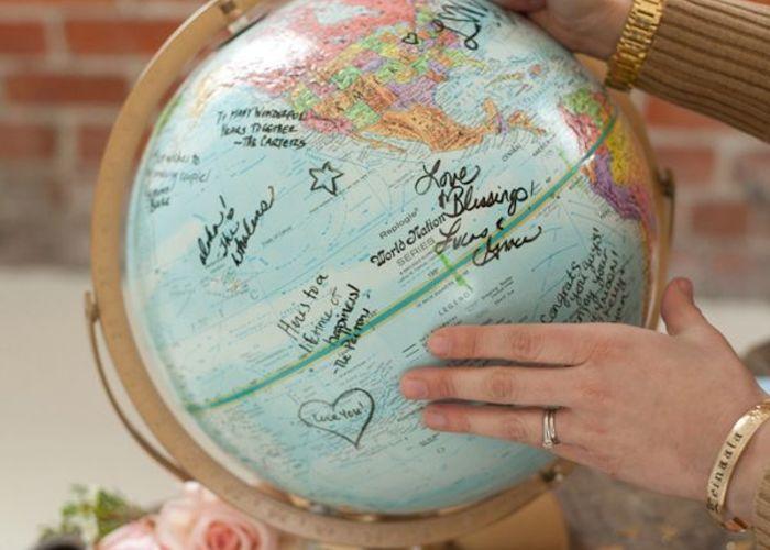 身近な素材で海外風おしゃれ*『地球儀&地図』を使ったウエディングアイデア♡ | marry[マリー]