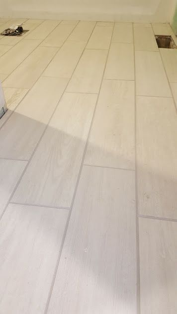 Eldon White Wood Look Porcelain Tile From Lowes Dani