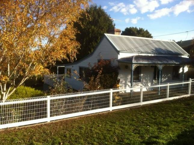 Central Springs Cottage | Daylesford, VIC | Accommodation