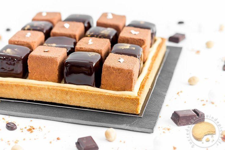 Détails sur la recette Nom de la recetteTarte damier chocolat, café, praliné, noisette Publiée le 2016-01-19Temps de préparation 5H00MTemps de cuisson 0H30M Temps total (avec temps de repos) 5H30Note 3.5 Based on 6 Review(s) Vous aimerez peut-être aussi ces recettes …