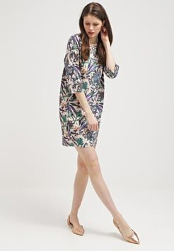 Soaked in Luxury - TASSA - Sukienka z dżerseju - beige/dark green