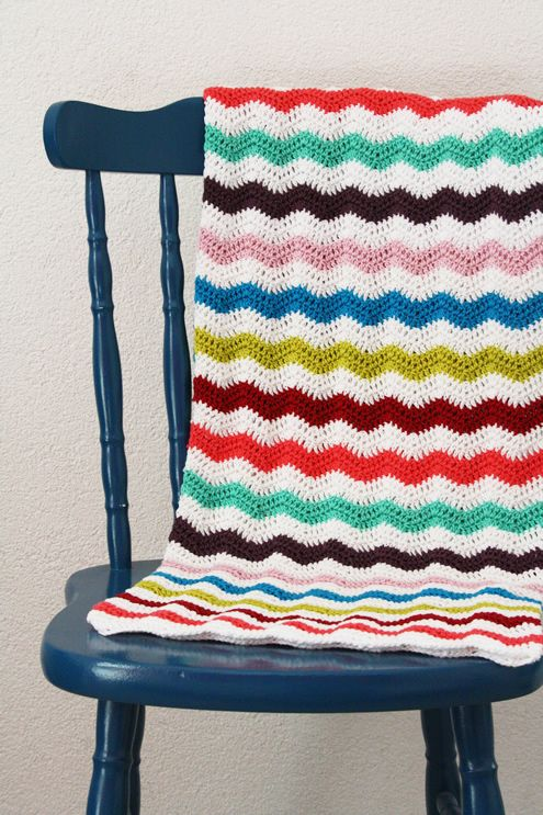 Spring time ripple stitch blanket by http://happyinred.blogspot.nl