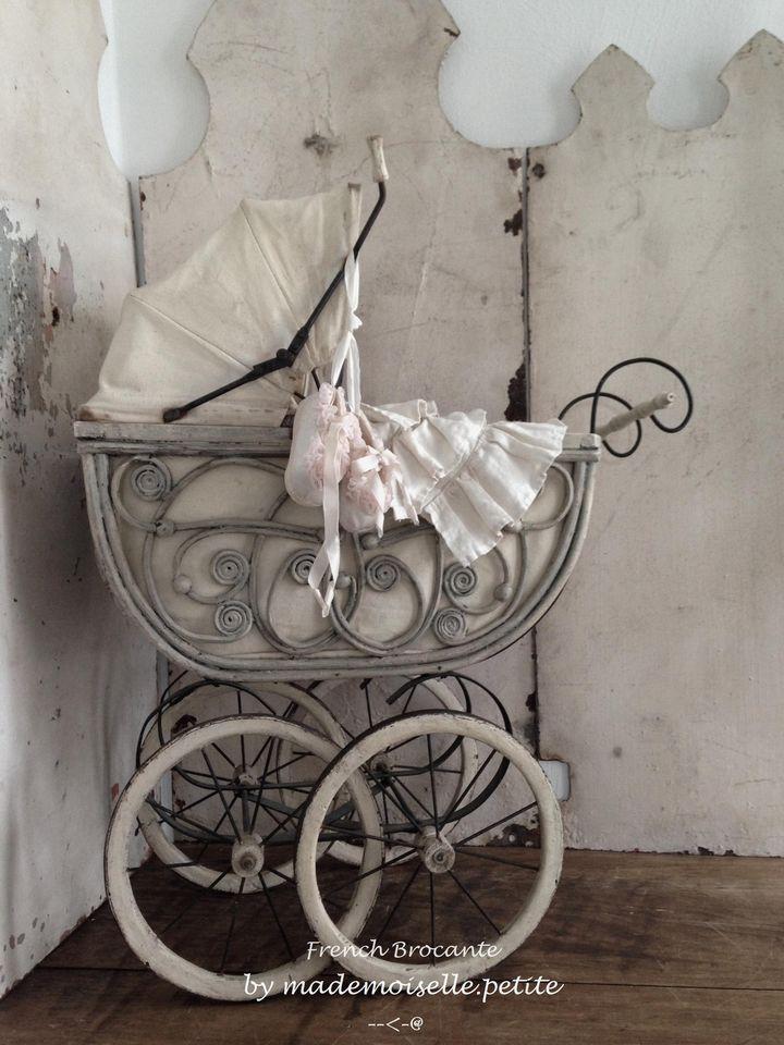 Antiker Puppenwagen, Korb, Leinen, antique doll pram, Frankreich Shabby Deko