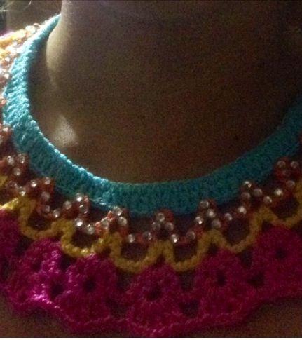 Collar crochet y piedras