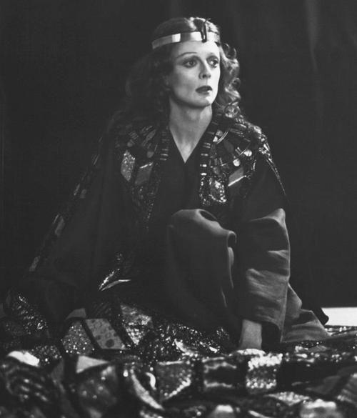 Maggie Smith as Cleopatra in Antony and Cleopatra, 1976.