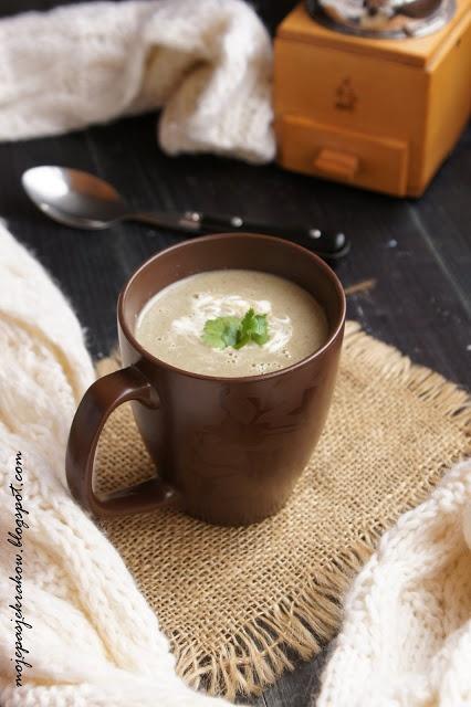 Zupa krem pieczarkowo-porowa z rokpolem