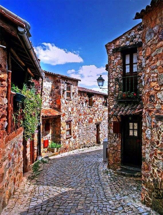 Casal de São Simão, Figueiró dos Vinhos, Portugal  Sandra Couto