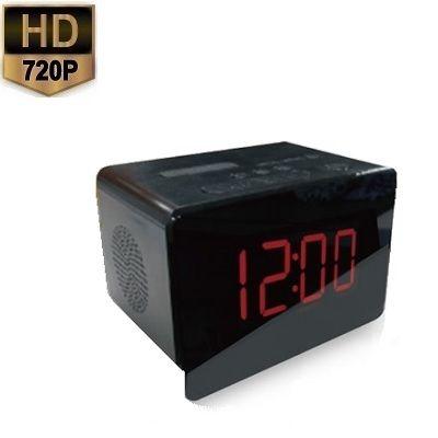 Radio Klok Spy Camera  Deze radio klok is voorzien van een verborgen camera met nachtzicht en 720P HD camera resolutie. De radio klok met verborgen camera is zeer onopvallend en hiermee overal te plaatsen. De beelden worden op een SD kaart opgeslagen die geïntegreerd is in de radio klok. De beelden kunnen continue of op bewegingen worden opgenomen dit is in te stellen met de bijgeleverde afstandsbediening.Met een 4GB geheugenkaart kunt u tot wel 16 uur continue kunt op nemen. Indien u op…