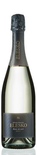 Doprajte si vďaka šumivému vínu Blanc de Noir /Rulandské modré/, SPARKLING LINE, ELESKO trochu výnimočných momentov. #wine #sparklingwine #elesko #champagne #wineexpert #wineexpertsk #wineexperteu