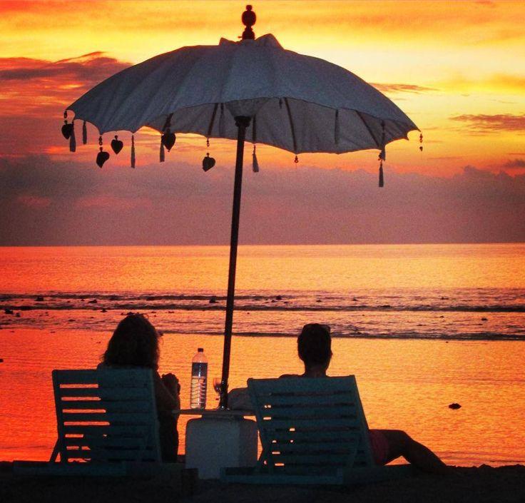 Unvergessliche Momente auf einer Reise um die ganze Welt.....  Am Strand von Gili Islands, der mal romantischen, mal turbulenten Inselgruppe neben Bali.