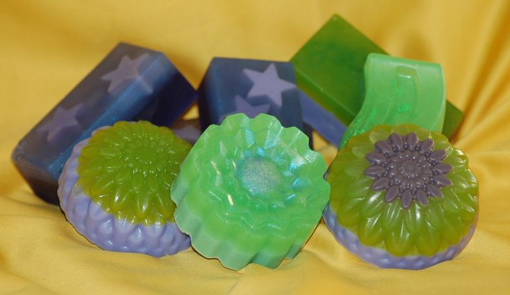 Green soaps scented with Lime !