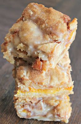 peach cobbler bars ~ from Made It Ate It Loved  It