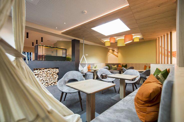 Die Kombination aus modernen und gemütlichen Ambiente durchzieht das ganze Hotel. Alle Details zum Familienhotel Huber findet ihr auf: http://kinderhotel.info/kinderhotel/familienhotel-huber