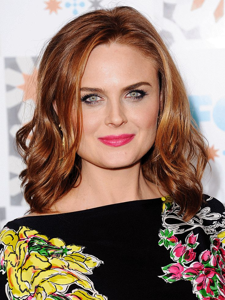 Emily Deschanel Height, Weight, Age, Affairs, Husband & Facts. Emily Deschanel Net worth, boyfriend, body measurements, family, biography
