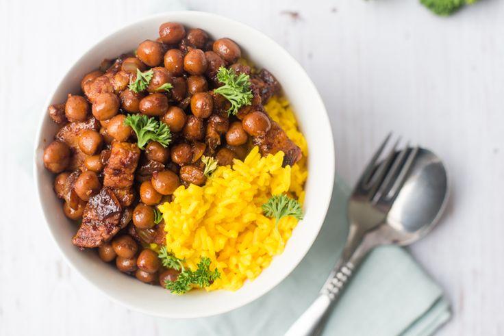 Kapucijners: oerhollands en gezond. Vaak gegeten met aardappels maar deze pittige speklapjes met kapucijners erbij zijn véél lekkerder. En zo klaar.