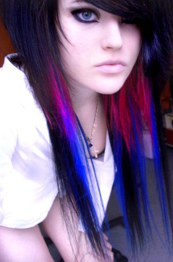 i love her highlights: Scene Hairstyles, Hair Colors, Scenehair, Black Hair, Emo Hairstyles, Blue Hair, Girls Hairstyles, Hairstyles Ideas, Scene Girls Haircuts