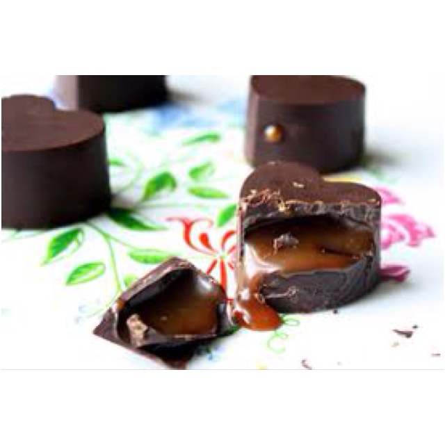 Caramel surprise in chocolate hearts | Food | Pinterest