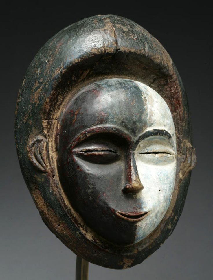 Africa | Mask from the Galoa culture of Gabon | Wood, with pigment