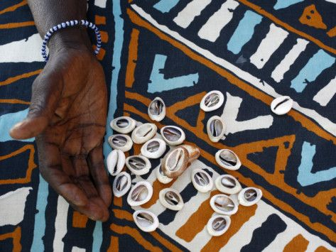 Fortune Telling with Cowrie Shells, Saly, Thies, Senegal, West Africa, Africa