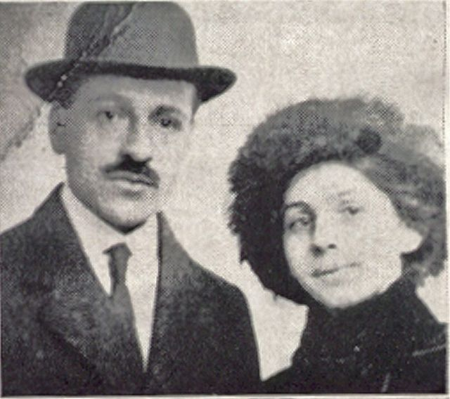 Papanikolaou couple shortly after their wedding (1910)