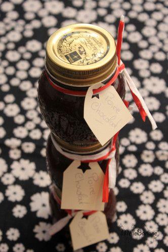 CONFITURE POIRE / CHOCOLAT (1,1 kg de poire, 700 g de sucre, 240 g de chocolat noir, le jus d'1 citron, 1 gousse de vanille)