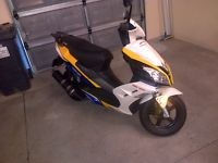 Gumtree: big boy 125 scooter 2012 for R7500