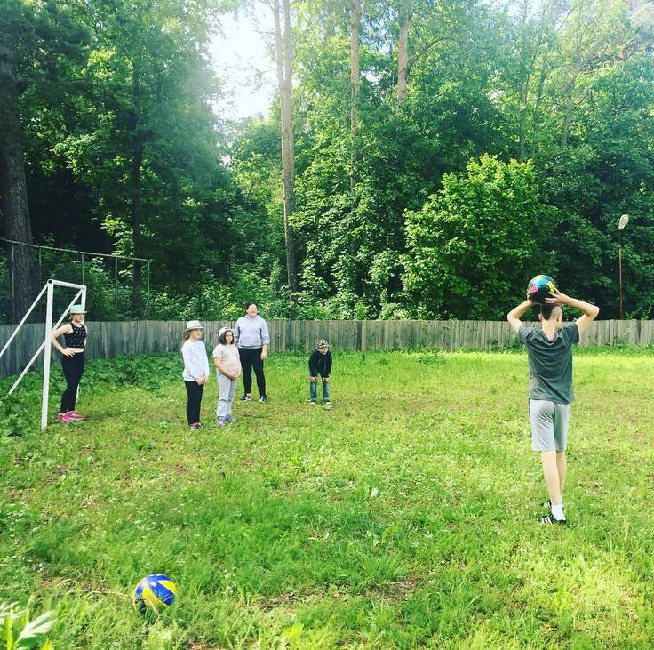 Наши активные ребята играли в футбол,волейбол и много чего увлекательного было на кружке спорта#лучшийлагерь #nextcamp #смоленск