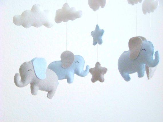 die besten 25 elefant mobile ideen auf pinterest graues babyzimmer babyzimmer und filz mobil. Black Bedroom Furniture Sets. Home Design Ideas