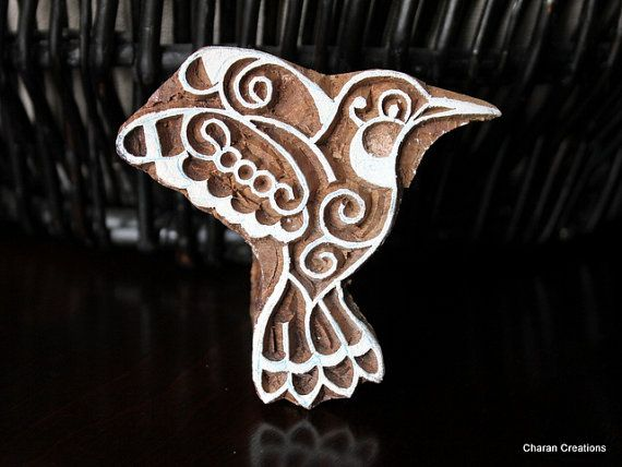 Hand carved wood block stamp humming bird por